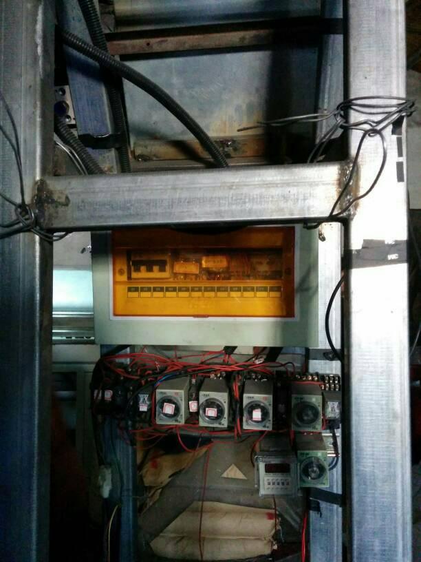 请问大师们 我想用单片机控制三个磁环气缸工作 步骤如下a气缸(2磁图片
