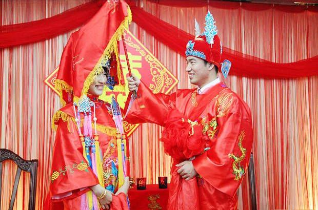绸缎被夫妻结婚第一晚
