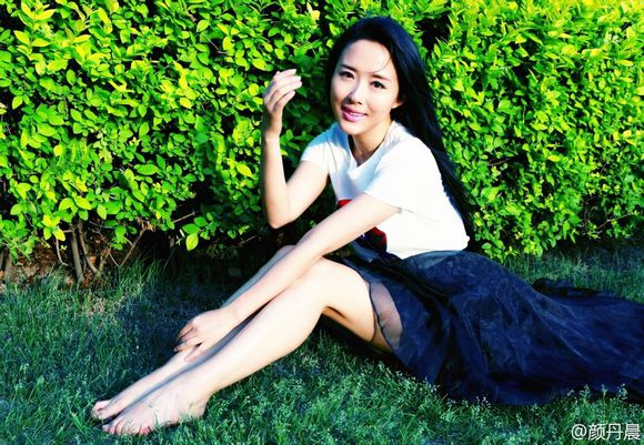 女明星的脚丫 范冰冰的脚丫 赵丽颖的脚丫 明星脚丫图片图片