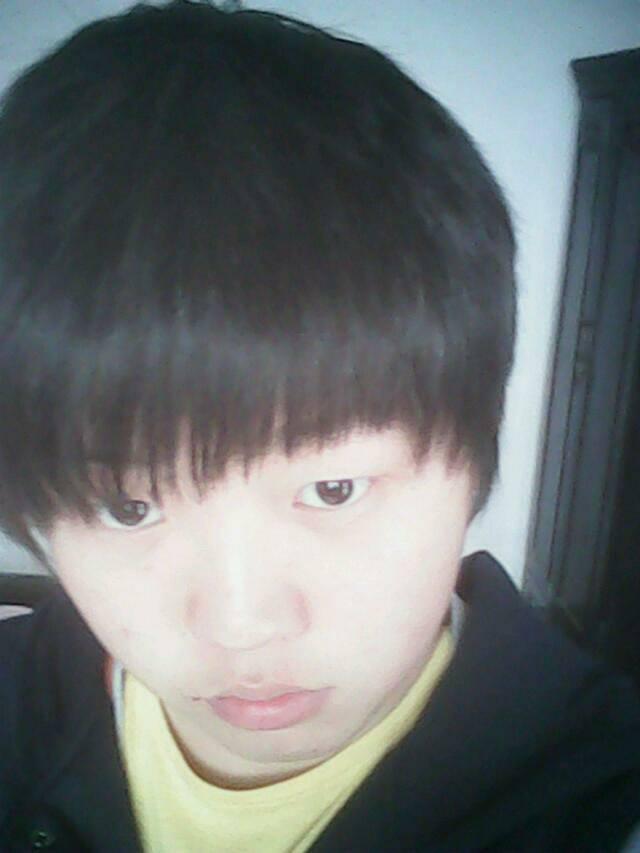 圆方脸,皮肤暗黑的人适合什么发型 (640x853)图片