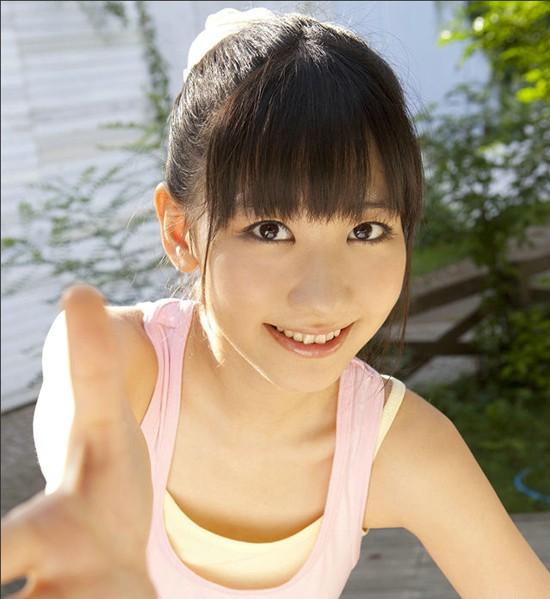 日本美女 她是?