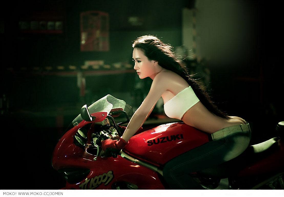 摩托车美女高清壁纸美女摩托车车模壁纸摩托美女高清
