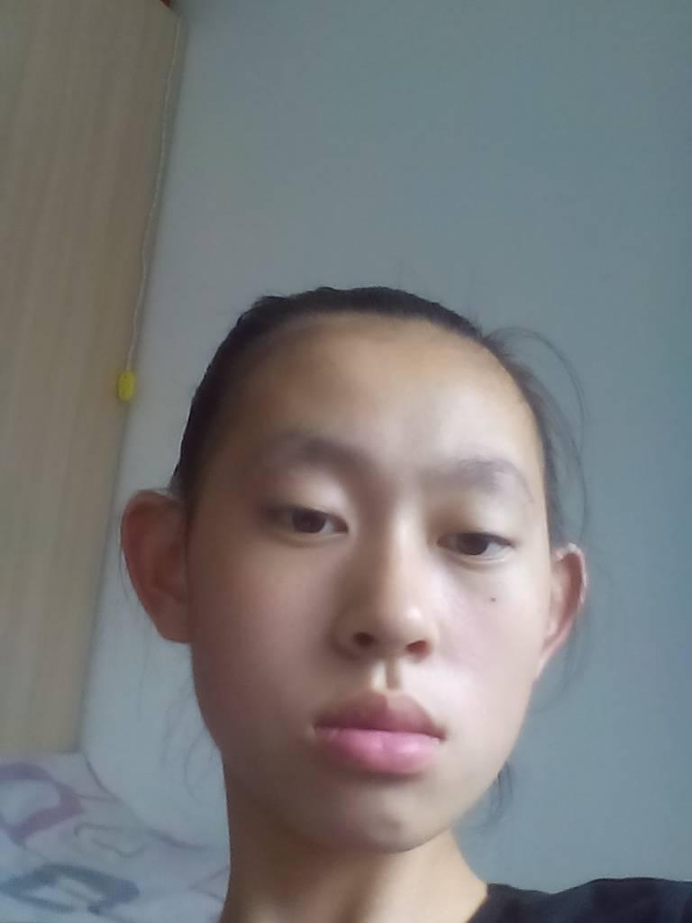 自拍测脸型_我这样的脸型剪什么样的发型比较帅,好看.有图片最好