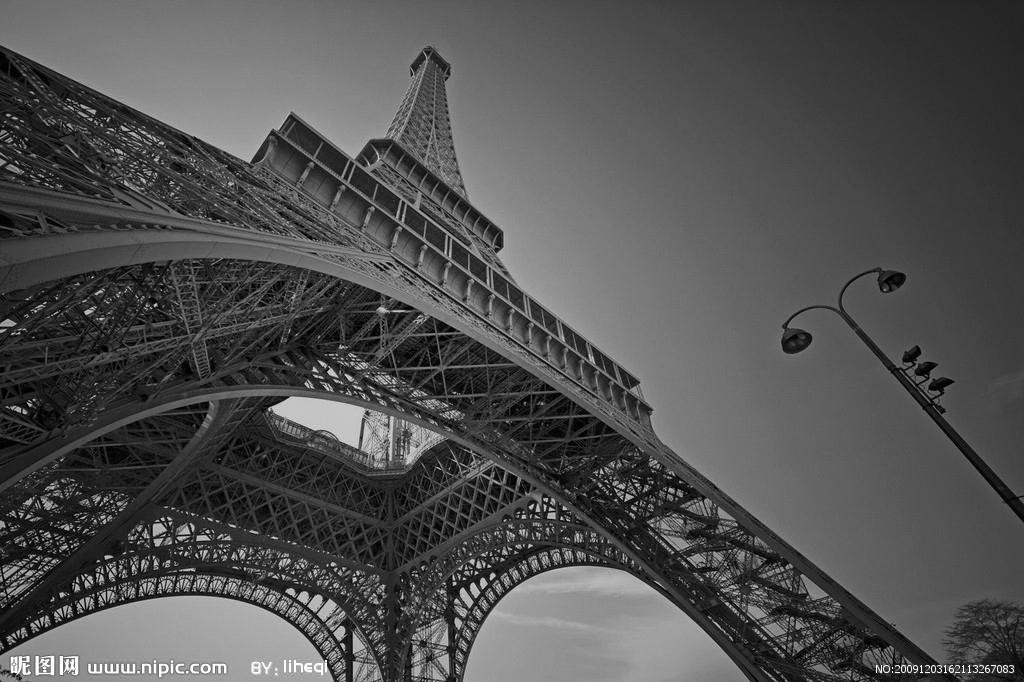 谁有好看的巴黎铁塔的黑白图片图片