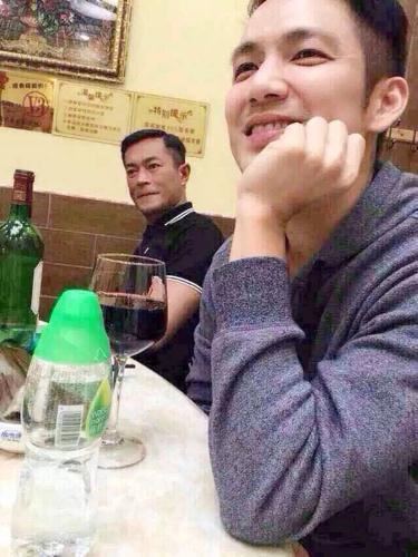 古天乐林峰钟汉良等明星在广州小蛮腰旋转餐厅吃饭图片