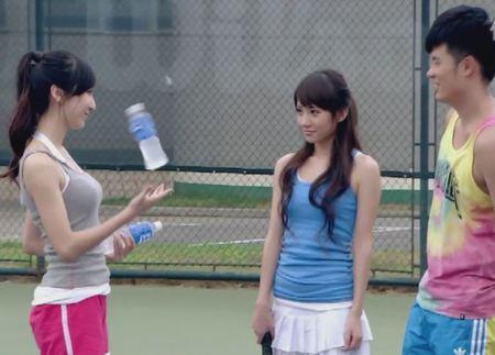 诺澜打网球照片_百度知道图片