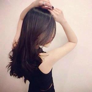 女生背影的图片,中长发或短发.请帮忙图片