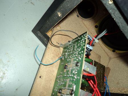 博200 MX音响音频线接法 线断了,一蓝,一黑应该那个是输出 应该