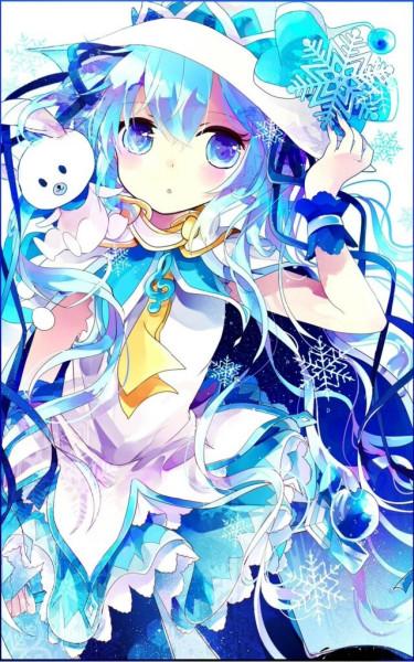 一个蓝色头发的女生动漫人物 长发 眼睛是 琥珀色的