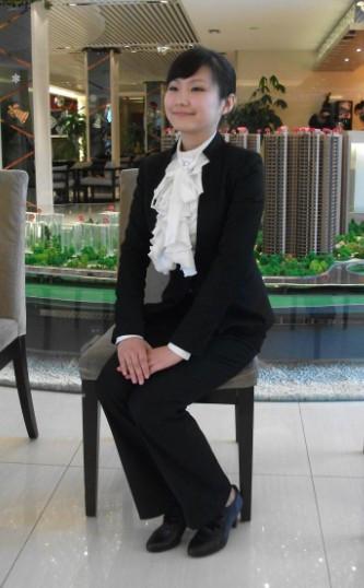 这样坐是中国女性最能体现柔美端庄的坐姿