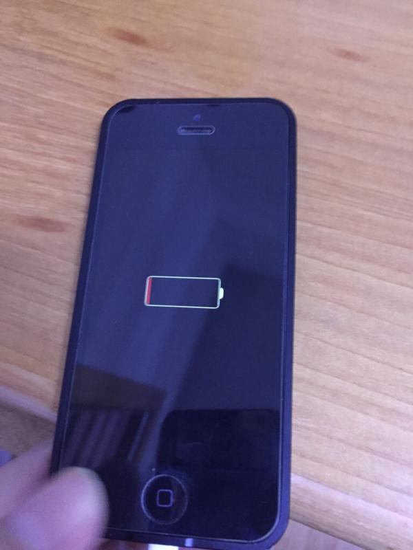 我的苹果手机抹点所有内容和设置以后不能开机,不能连接电脑,怎么
