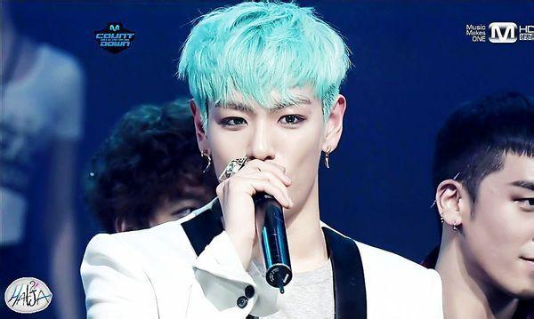崔胜贤蓝色发型是怎么剪的 头发后面要不要剪 鬓发是全部剃完还是只图片