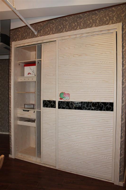 请问衣柜隐藏式轨道是怎样的?有图片吗,现在常用吗图片
