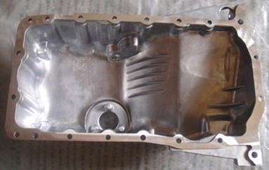 求04款帕萨特1.8t. 发动机油底壳图片高清图片