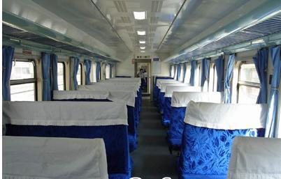 火车硬座图片