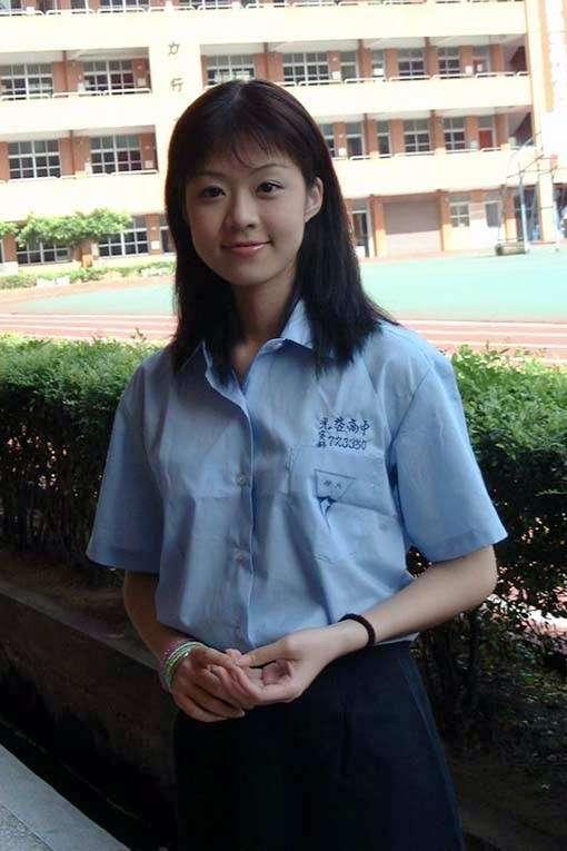 高中漂亮女生照片_求几张漂亮的高中女生的图片_百度知道